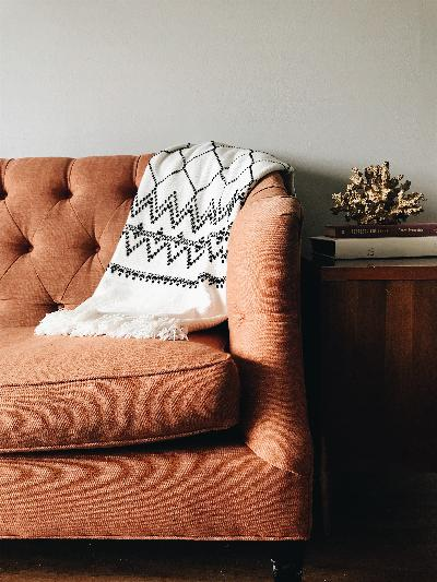 5 tips to clean your fabric sofa